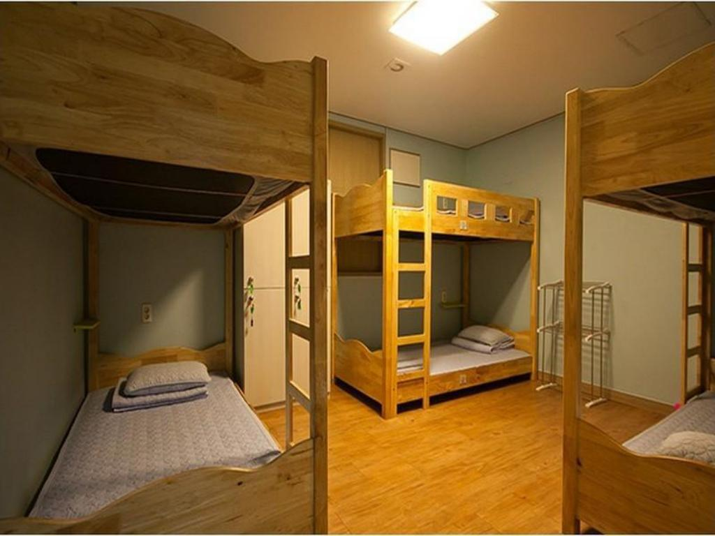 6-Bed Dormitory - Male Only Cube Guesthouse