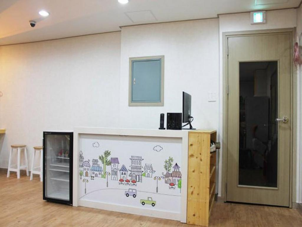Cube Guesthouse