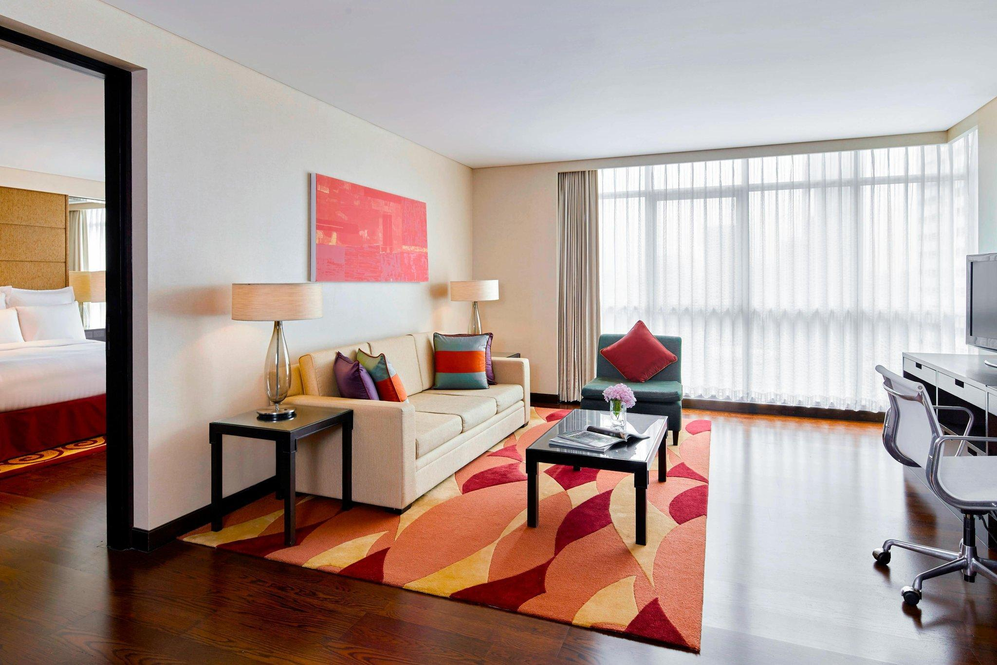 1-Bedroom Deluxe City View Suite with King Bed (1 Bedroom Deluxe Suite, 1 Bedroom Suite, 1 King, City view)