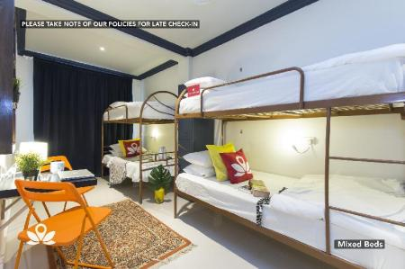 1 Person in 10-Bed Dormitory - Mixed ZEN Hostel The Bed Station