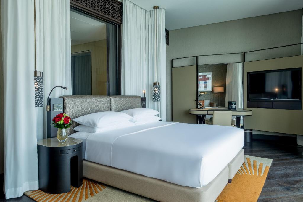 Grand Hyatt Abu Dhabi Hotel and Residences Emirates Pearl in