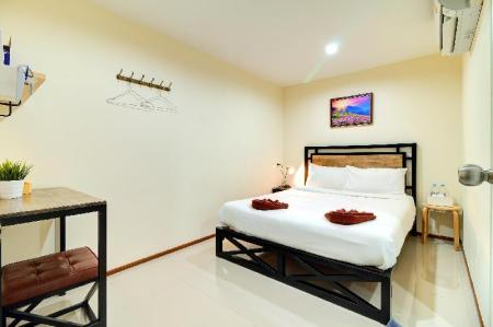 Double Room Non-Smoking - Room plan Red Pin Inn