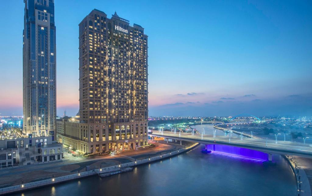 Hilton Dubai Al Habtoor City Naj Niski Ceni Ot Agoda Com