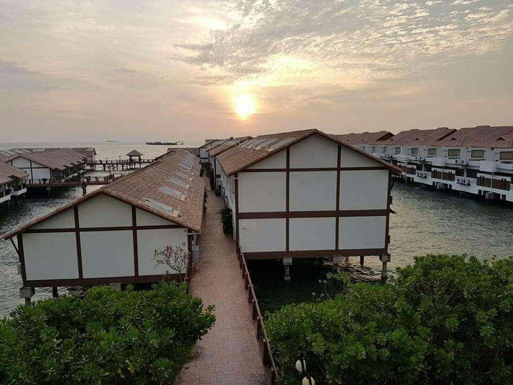 Best Price on Crystal Private Water Chalet Port Dickson in