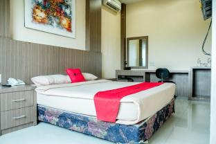 RedDoorz Plus near Living World Pekanbaru