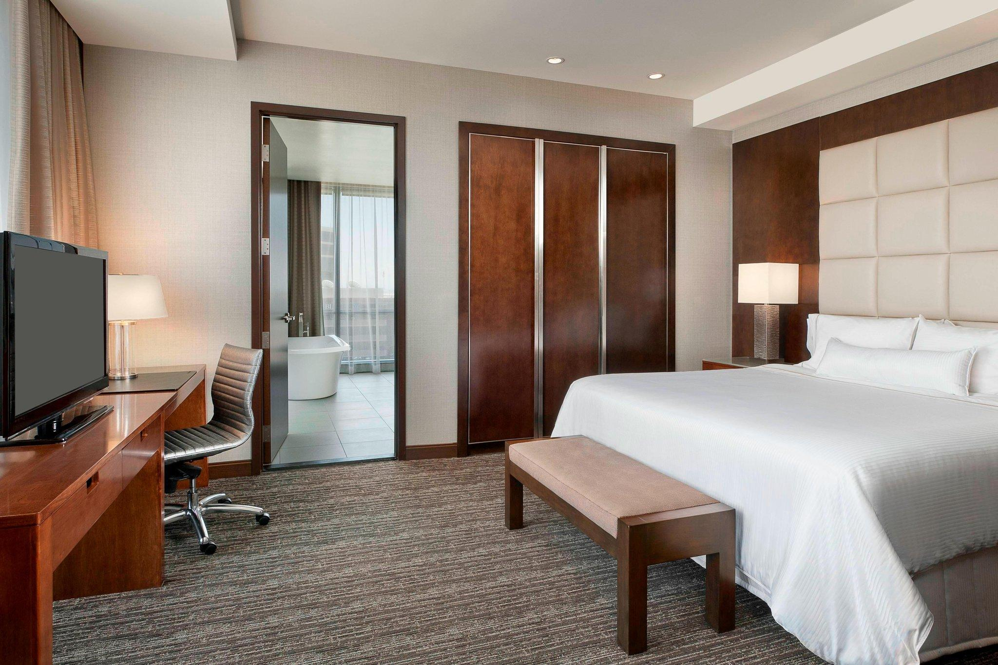 One-Bedroom Suite, Club level, Executive Suite, 1 King