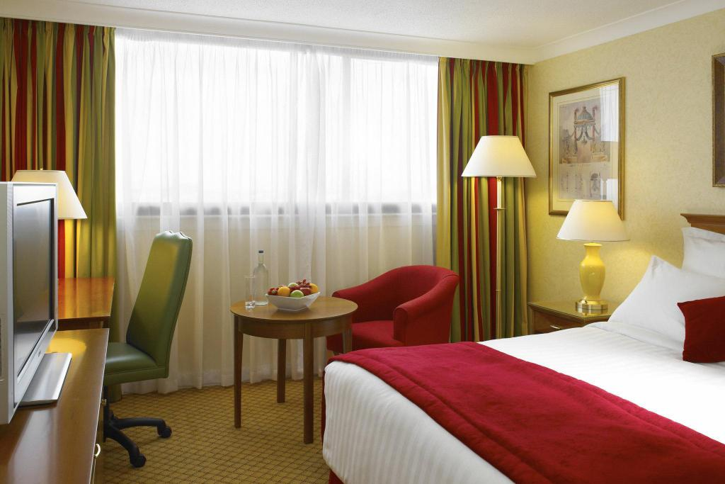 Deluxe rom med queen bed Cardiff Marriott Hotel