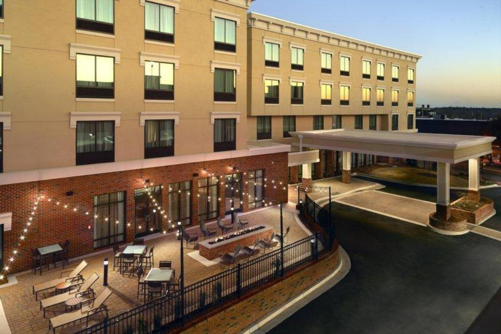 More about Courtyard LaGrange