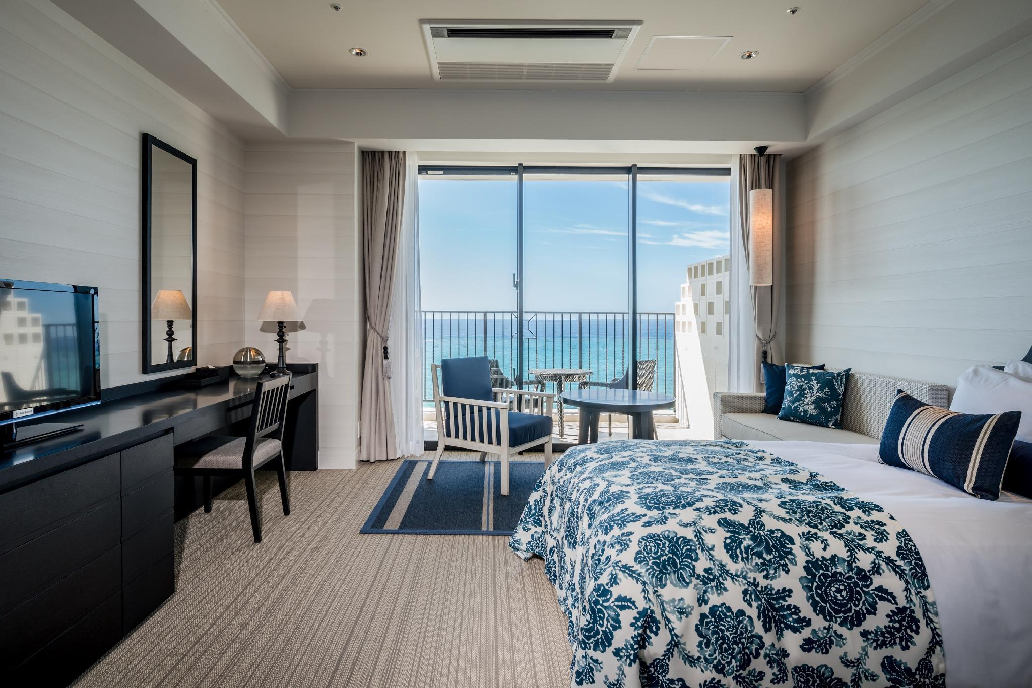 Club Standard Ocean View Twin Room for 4 People