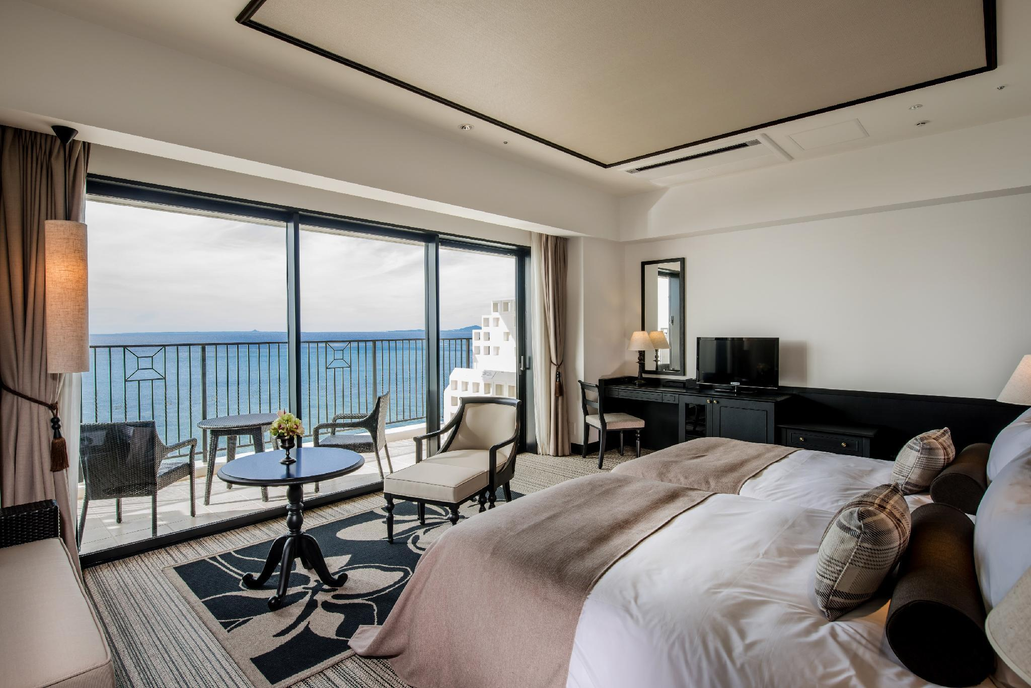 Deluxe Ocean View Hollywood Twin Room for 4 People