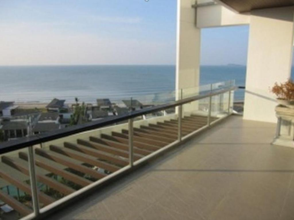 Balcony/terrace Seaview Condo at Phuphatara