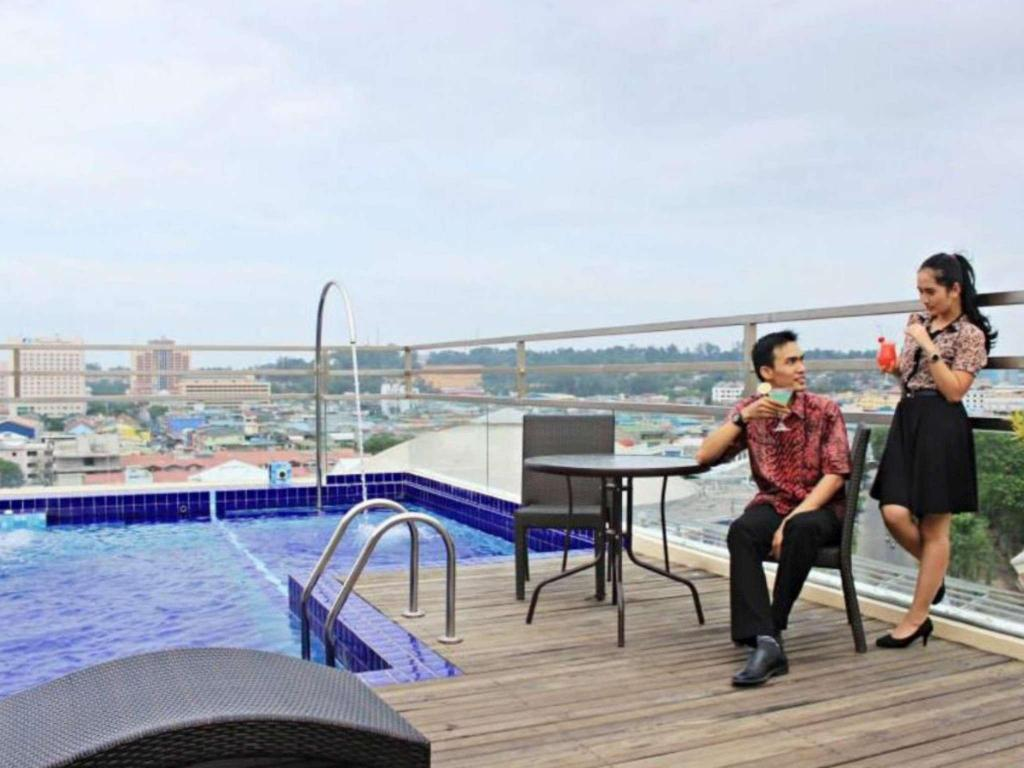 Swimming pool Biz Hotel Batam