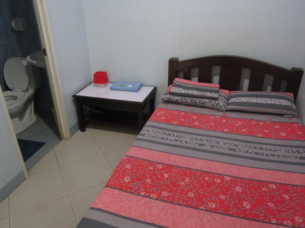 Matrimonial Room - Bed Limelily Pension