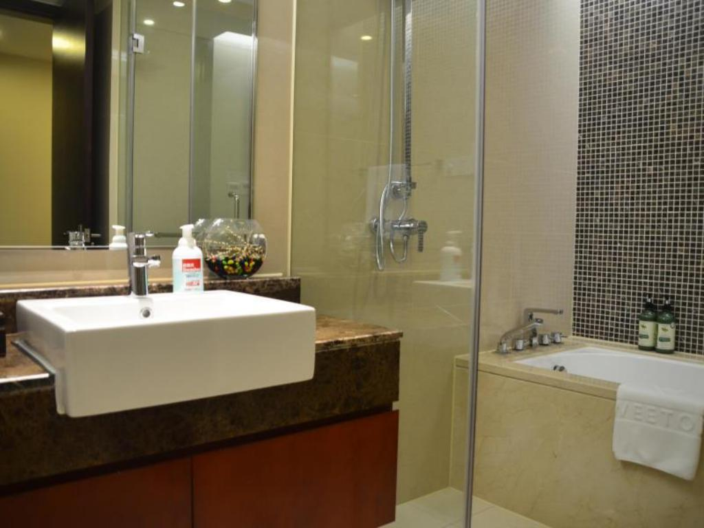 Bathroom Hangzhou Sweetome Vacation Rentals Yuanjing IBC Apartments