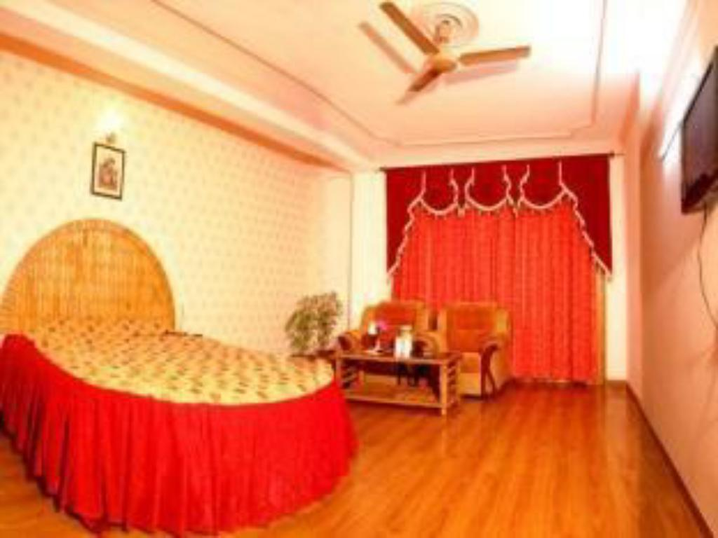See all 11 photos Hotel Naveen