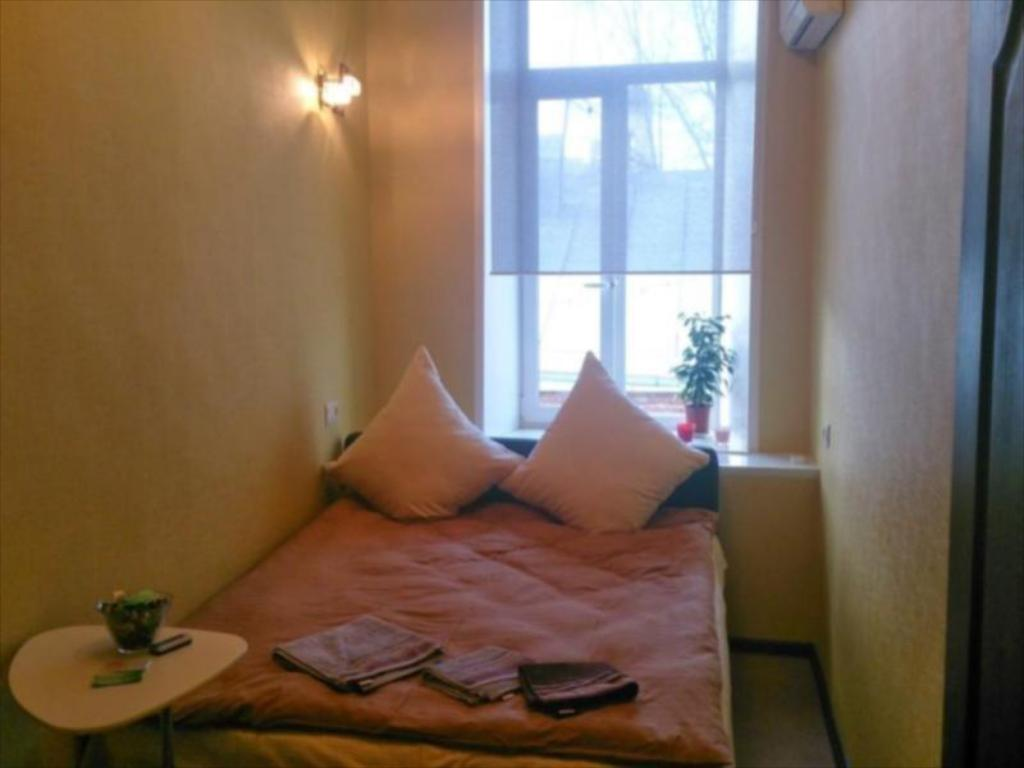 Economy Double Room with Shared Bathroom - Bed Layla Hotel
