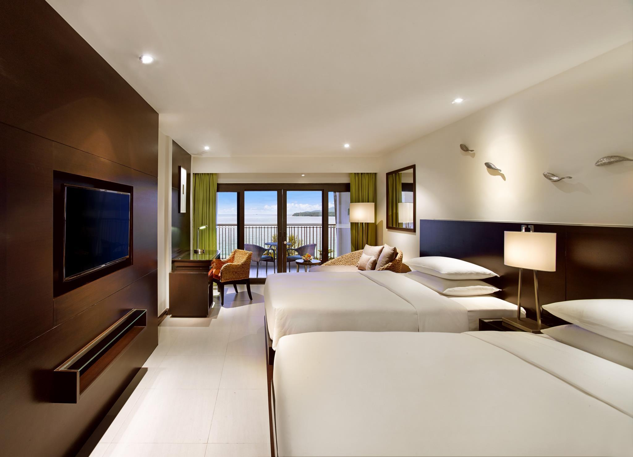 Club Ocean View Room with Twin Bed