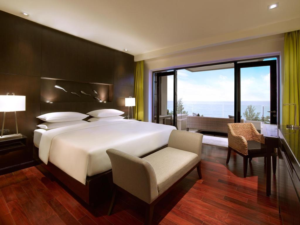 Club Double Room with Sea View and Terrace