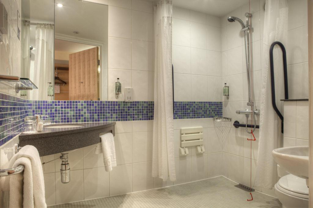 1 Double Bed Wheelchair Accessible Non-Smoking Holiday Inn Express - Glasgow - City Ctr Theatreland