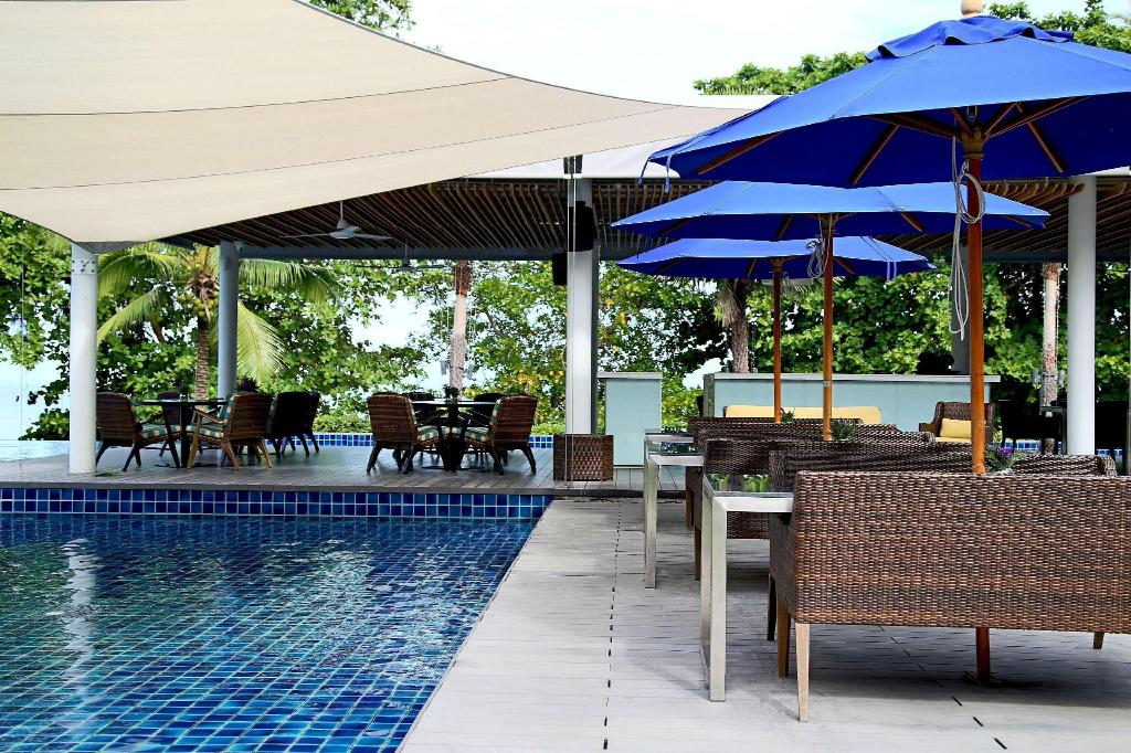 външен басейн Hyatt Regency Phuket Resort