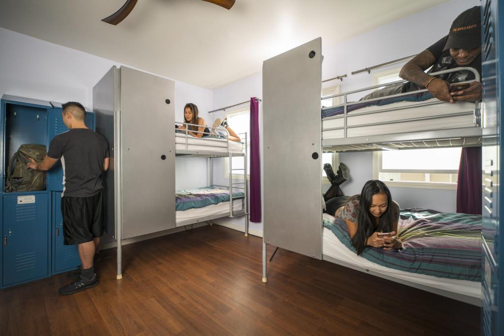 1 Person in 6-Bed Dormitory - Mixed USA Hostels Hollywood