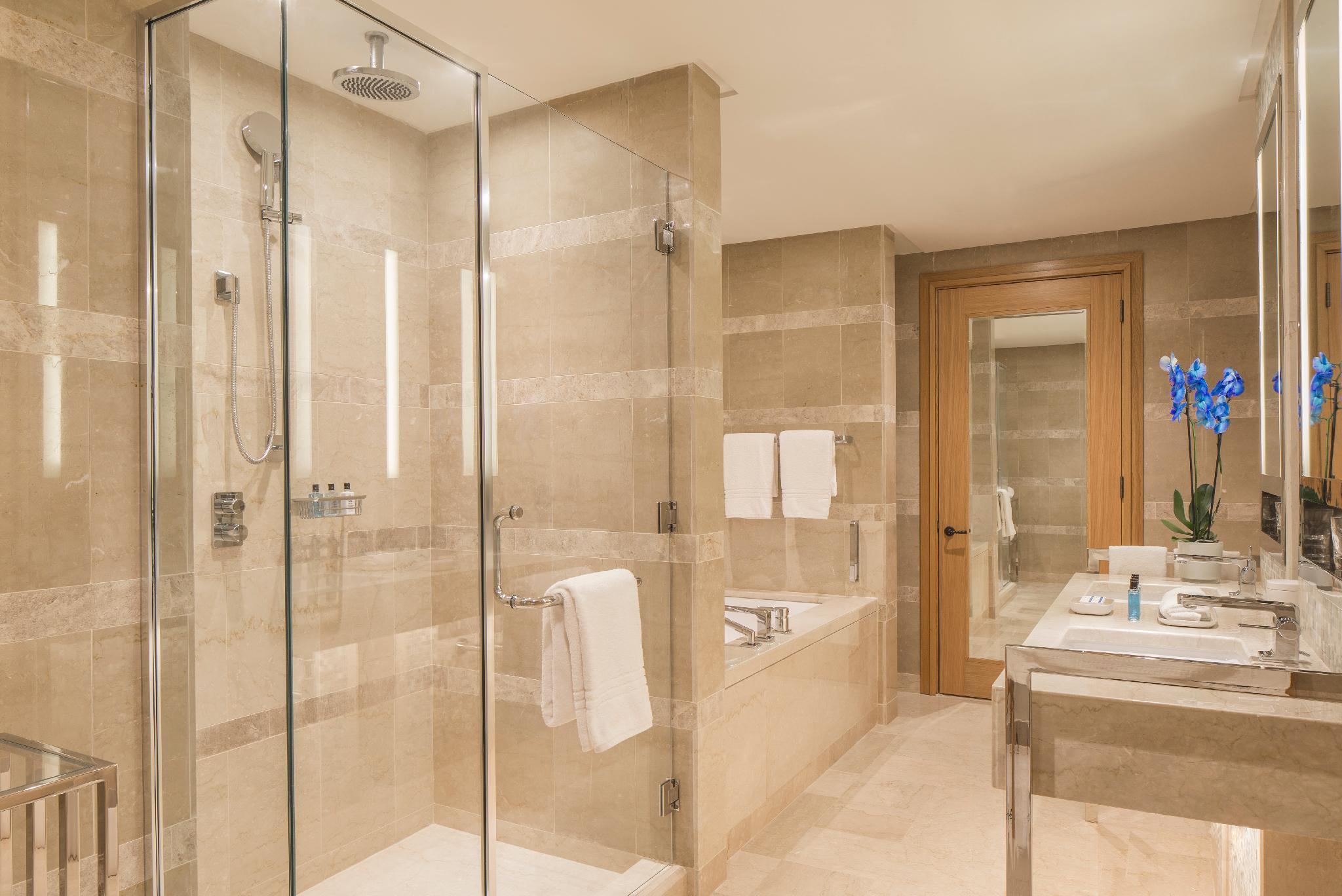 Four Seasons Hotel Tunis in Gammarth - Room Deals, Photos ...