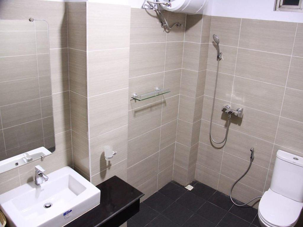 Superior - Bathroom Hotel Ayeyarwady