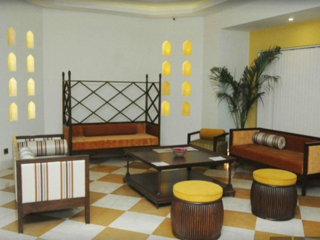 Lobby Goradias Lords Inn Shirdi