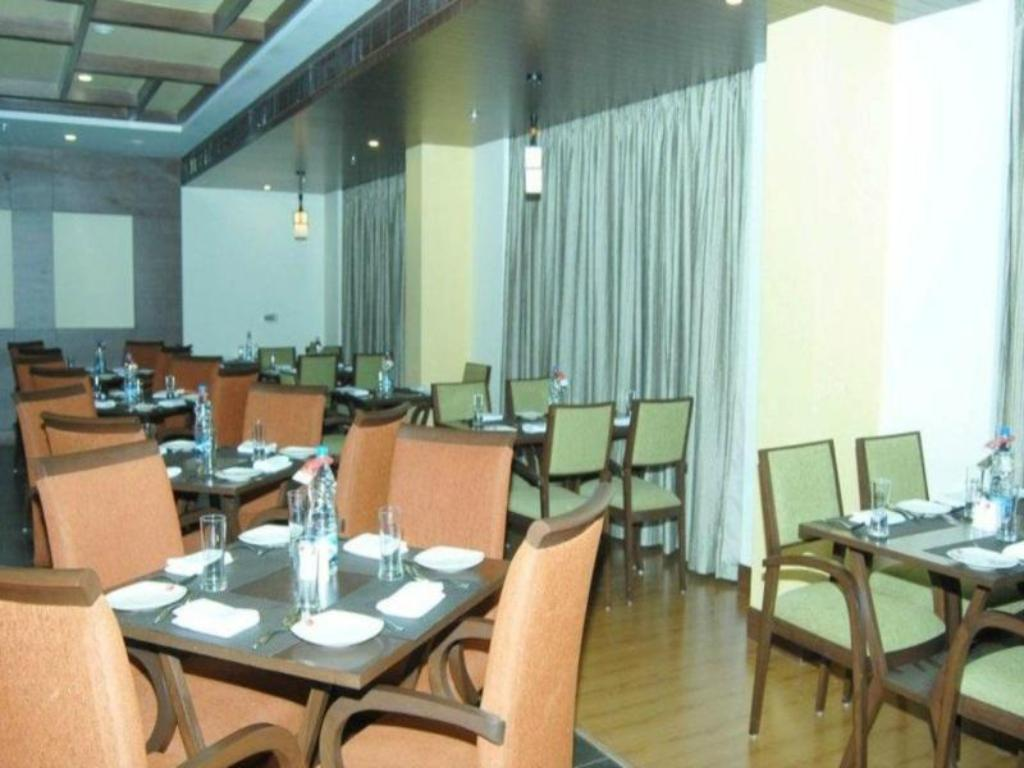 Restaurant Goradias Lords Inn Shirdi
