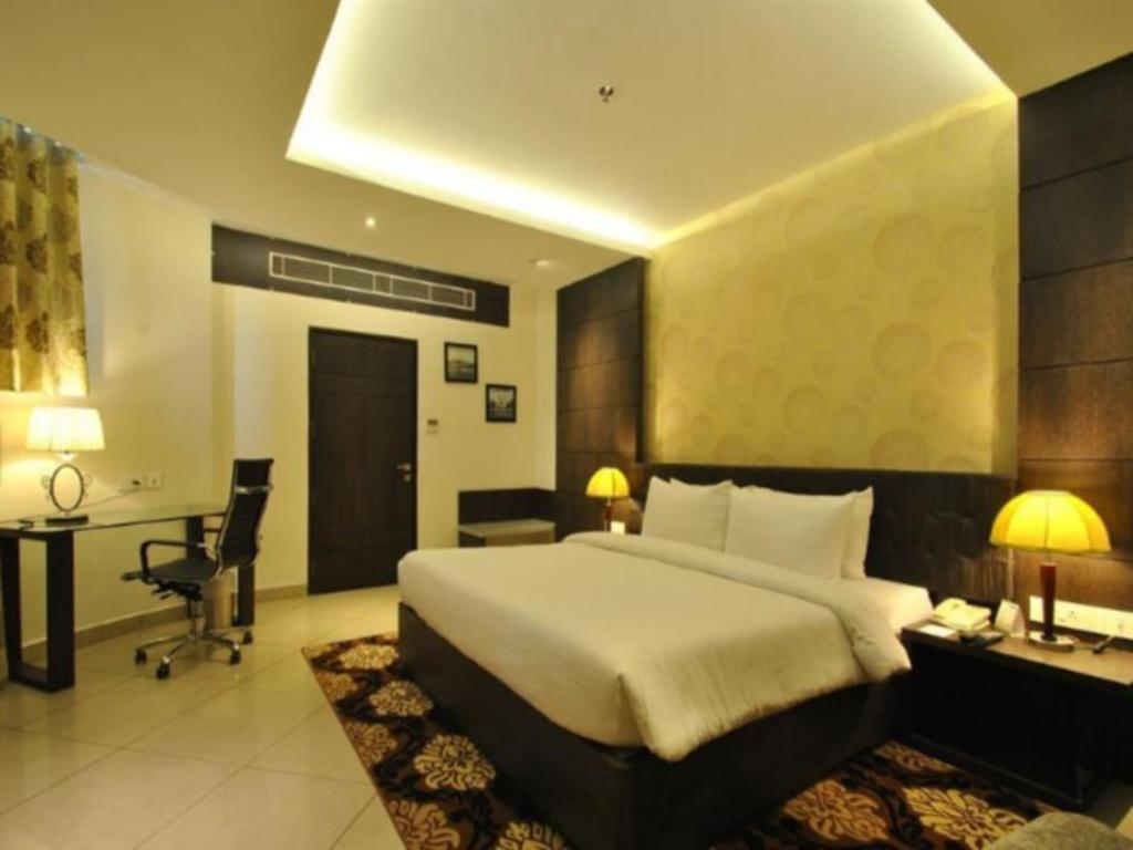 Deluxe Suite - Guestroom Rivatas Hotel By Ideal