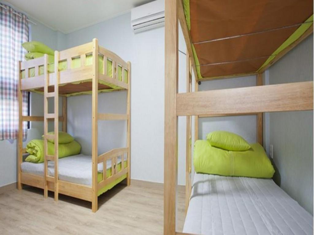 6-Bed Dormitory - Male Only - Bed Jennys Home Guesthouse