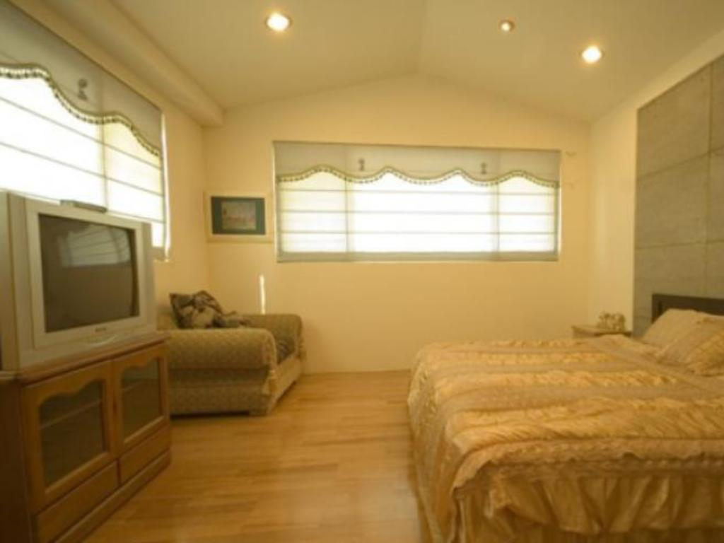 Superior Double Bed - Guestroom Chi Chi House