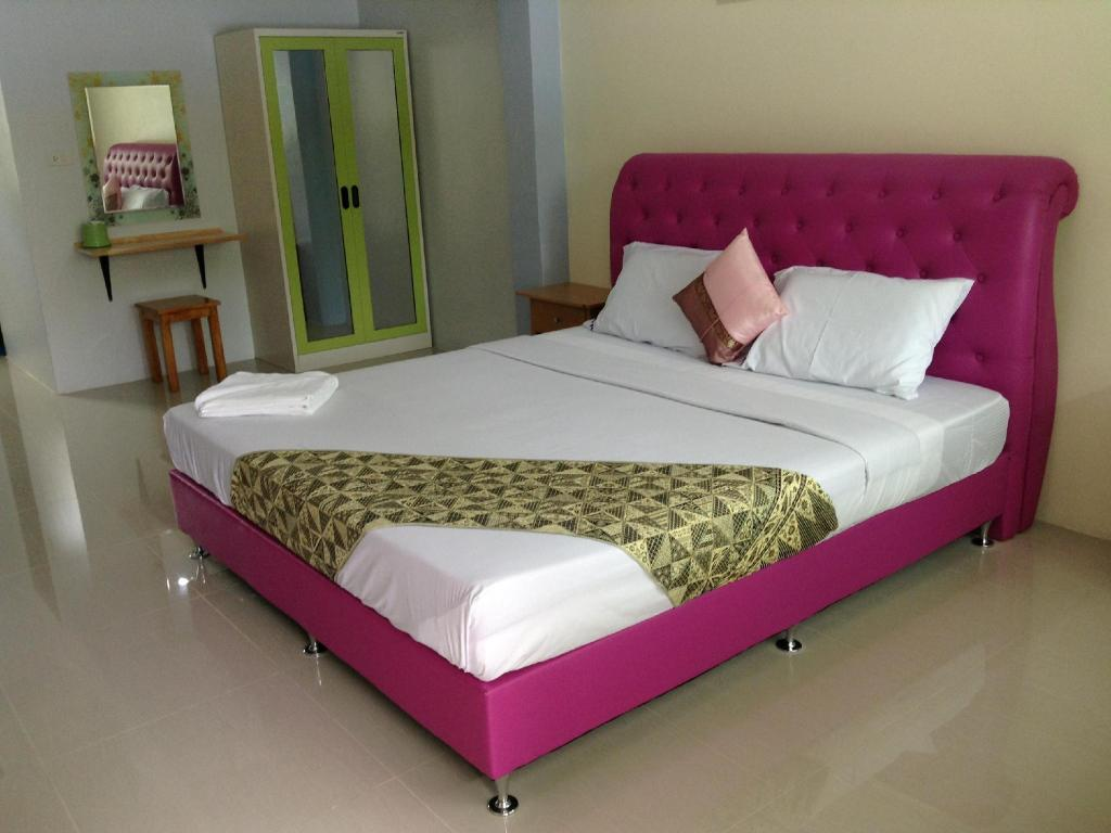Standard Double bed or Twin - Bed Nayai Resort