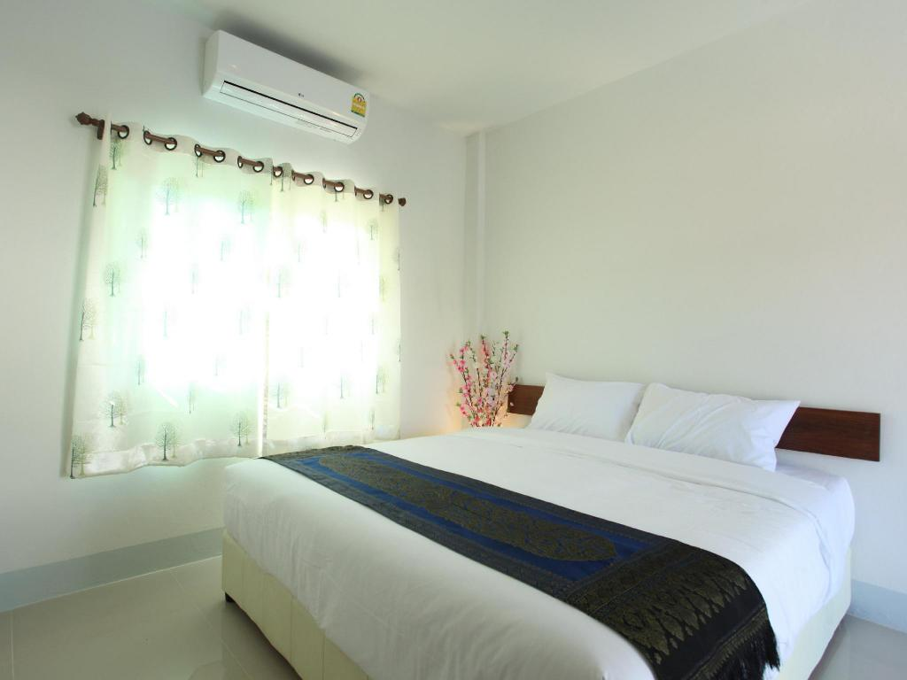 Standard Double Room - Interior view Rinlada House