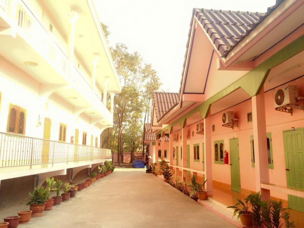 Exterior view Phetchinda Guesthouse