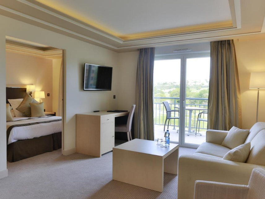 Suite Junior Termasuk Teres (Junior Suite with Terrace)