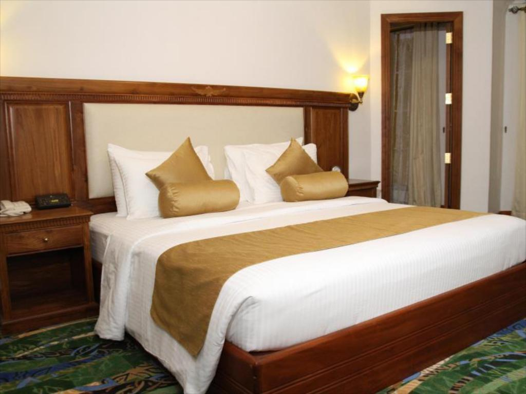 Deluxe Room - Bed Araliya Green Hills Hotel