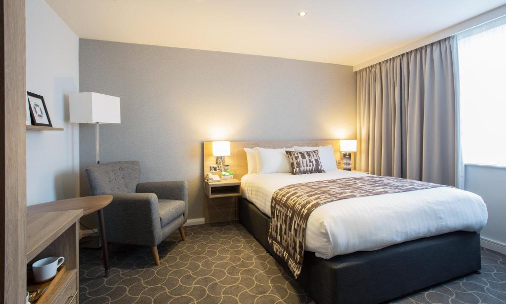 1 Double Bed Non Smoking Holiday Inn Ellesmere Port/Cheshire Oaks