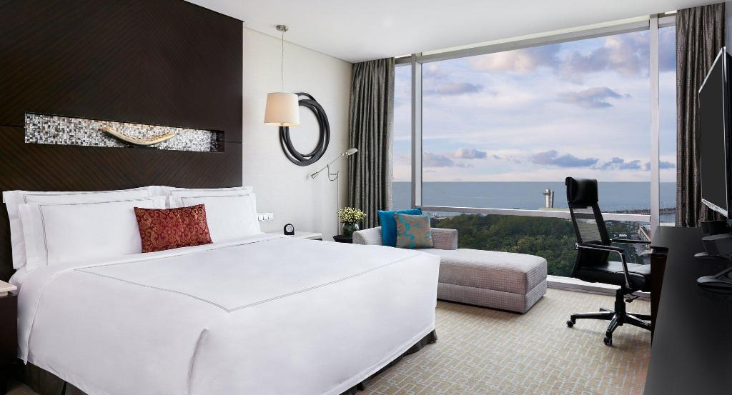 King Bed Club Room Privileges Ocean View