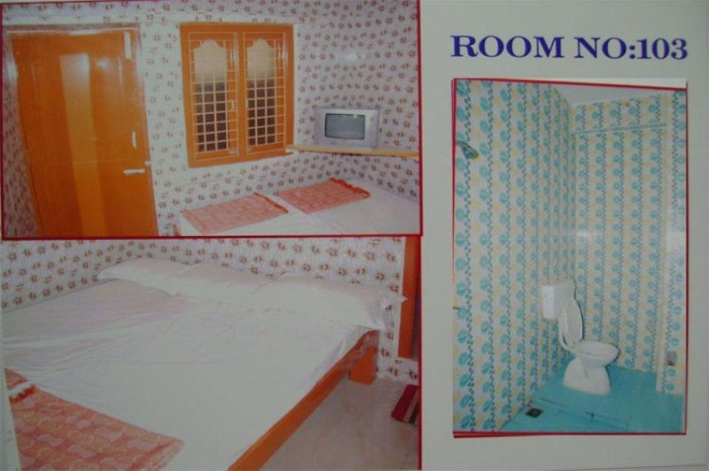 Budget room with Fan - Bathroom Sri Raghavendra Residency