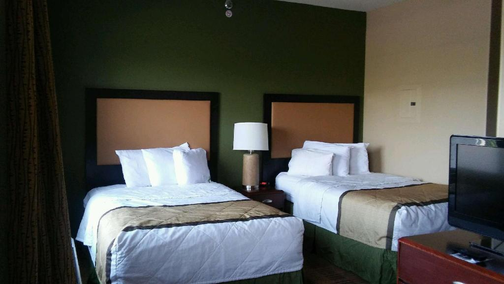 Suite 2 Doubles Non-Smoking - Guestroom Extended Stay America Las Vegas East Flamingo