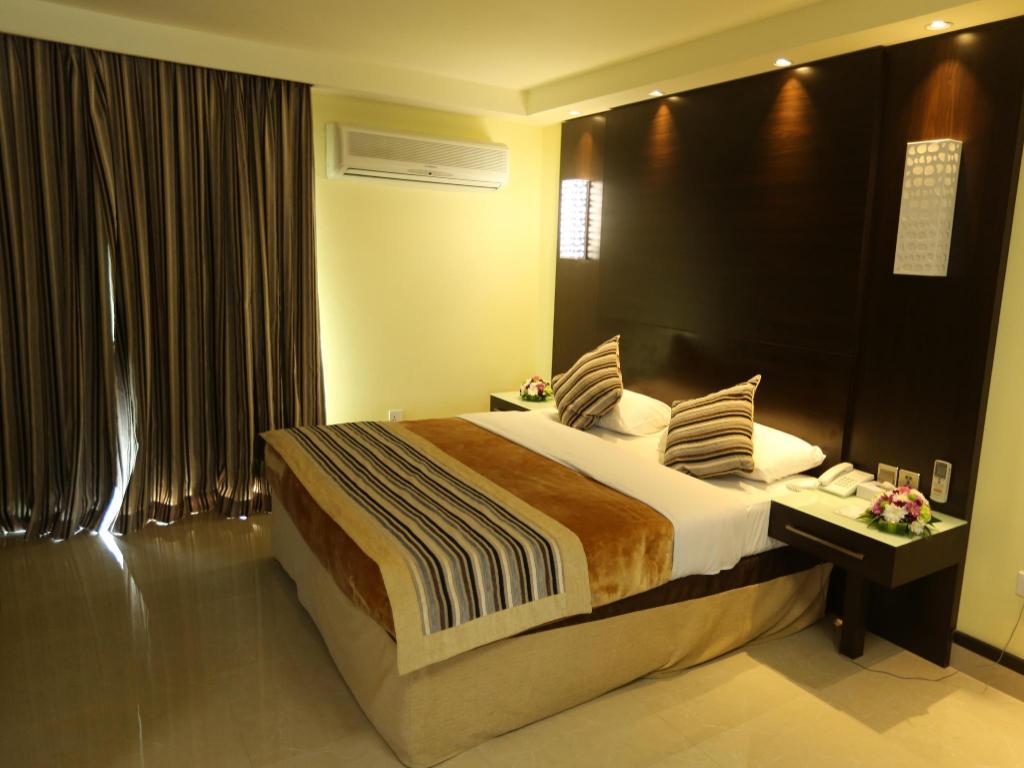Panorama Hotel Bur Dubai in United Arab Emirates - Room