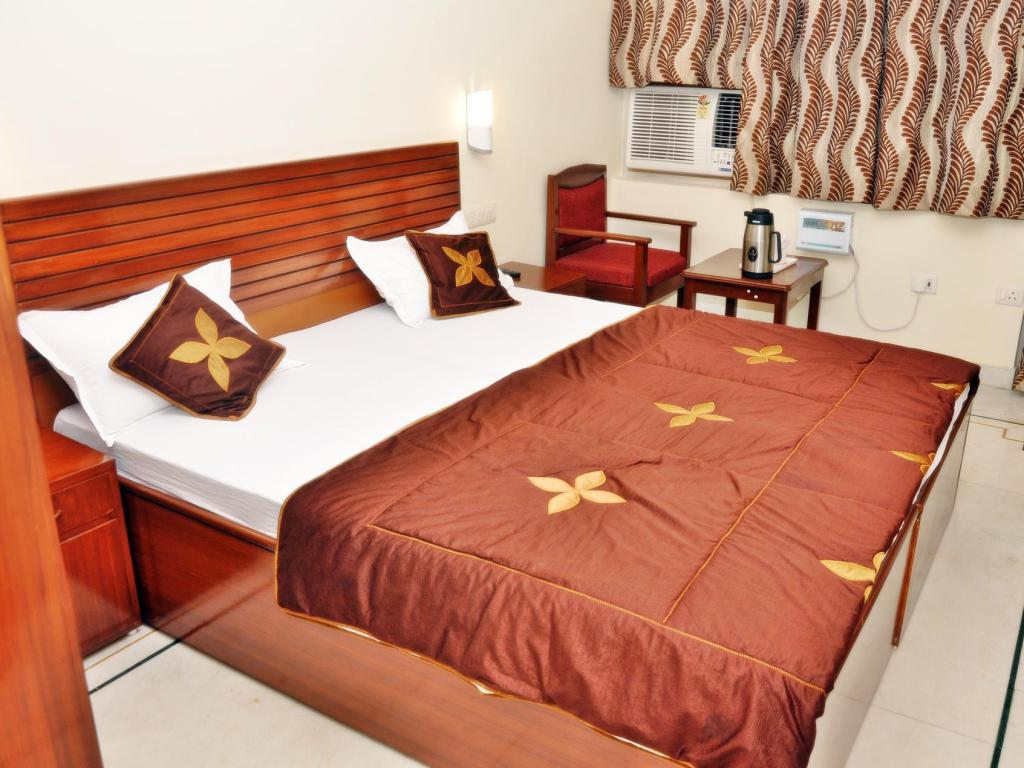 Business - Bed Hotel Siddhi Vinayak