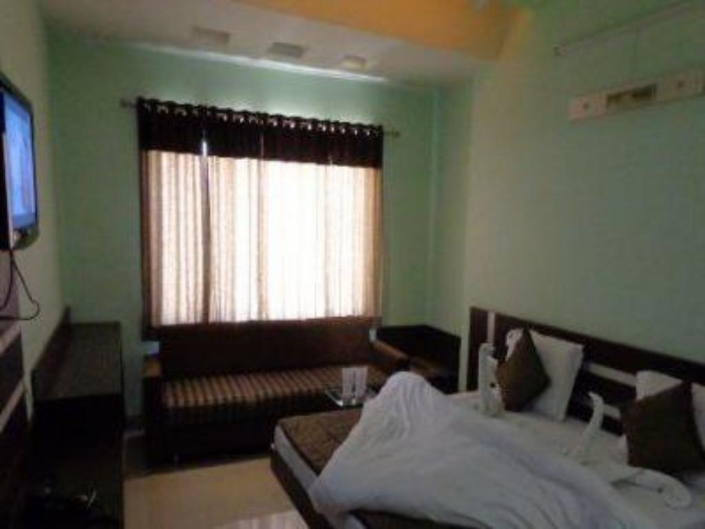 Deluxe Room Only - Guestroom Hotel Ashapura Palace