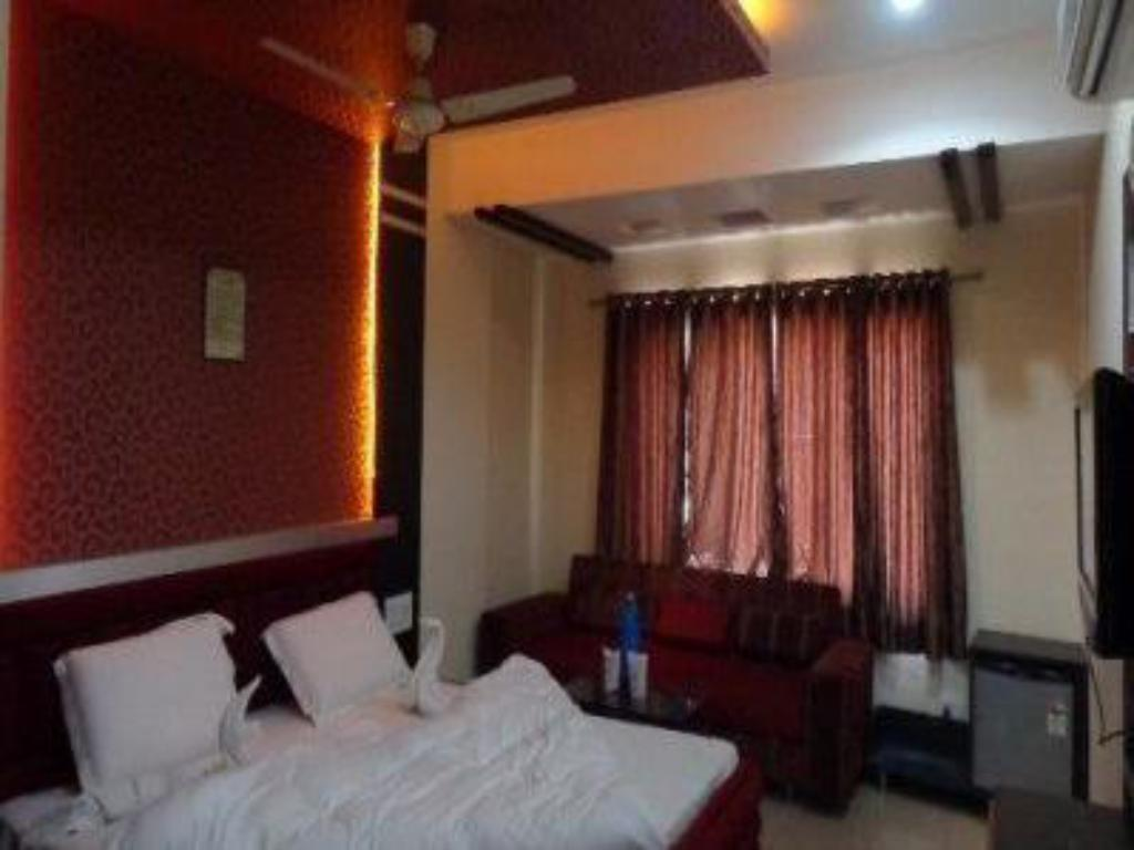 See all 9 photos Hotel Ashapura Palace