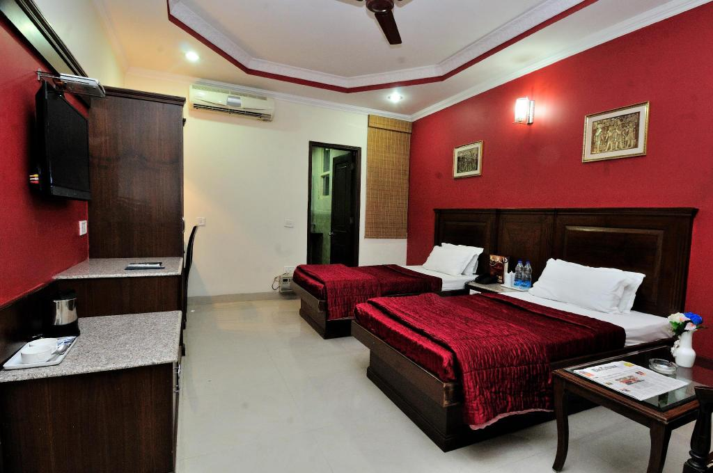 Family Room Hotel Maharaja Residency