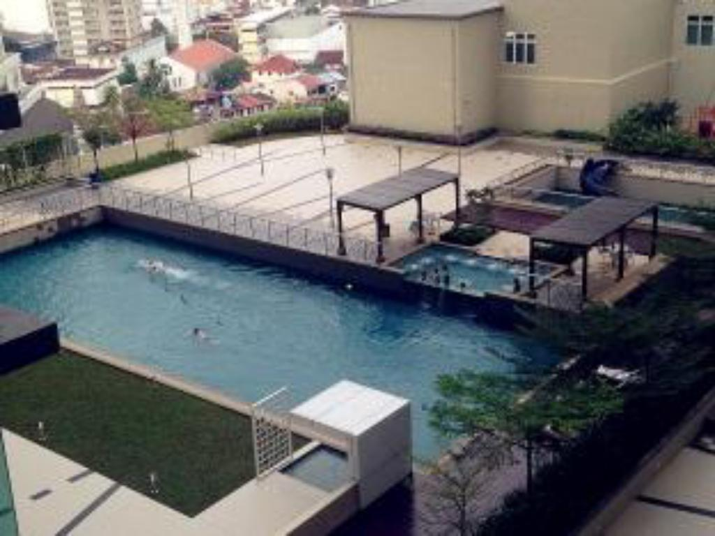 Best price on times square service condominium times square service condominium in penang for Mangalore swimming pool timings