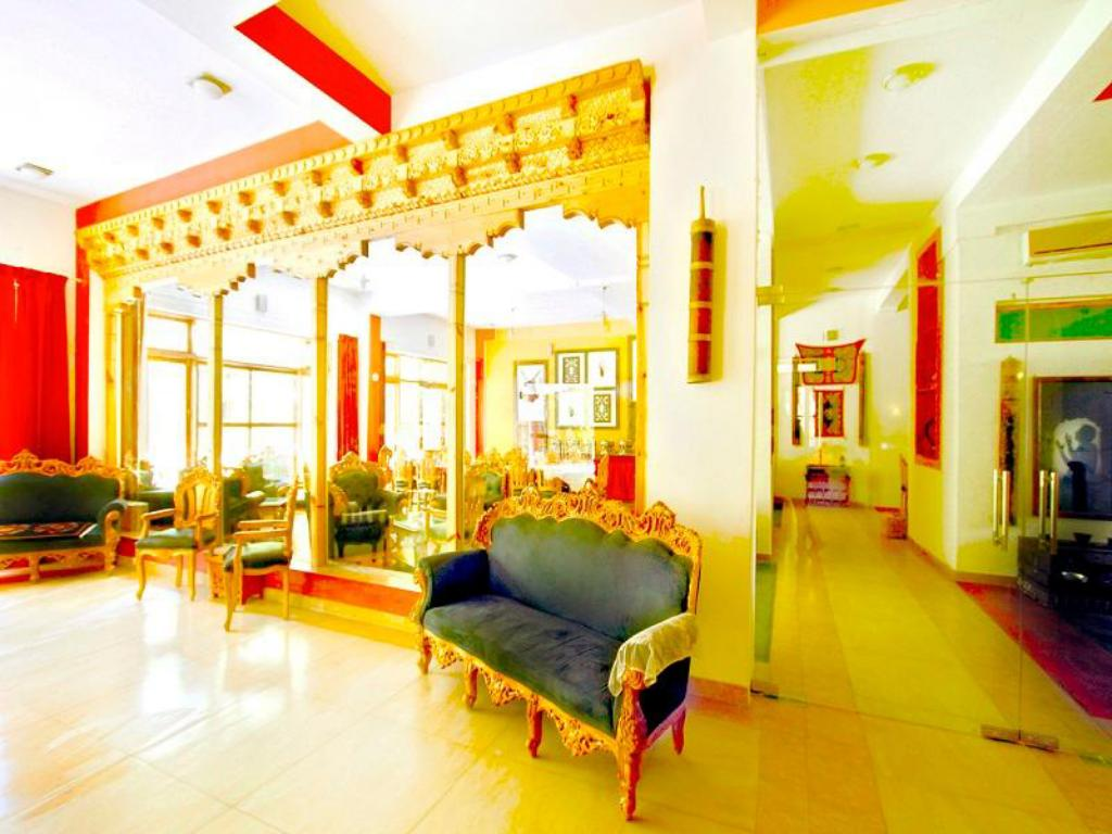 Interior view Grand Himalaya Hotel