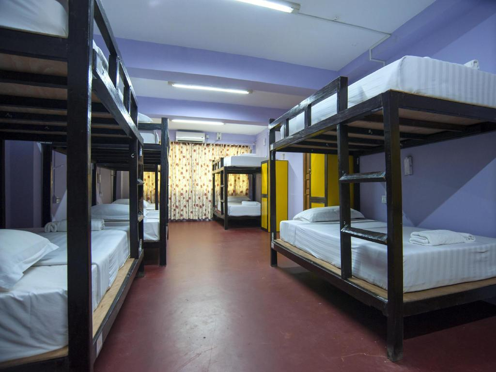 1 Person in 12-Bed Dormitory - Mixed - Bed