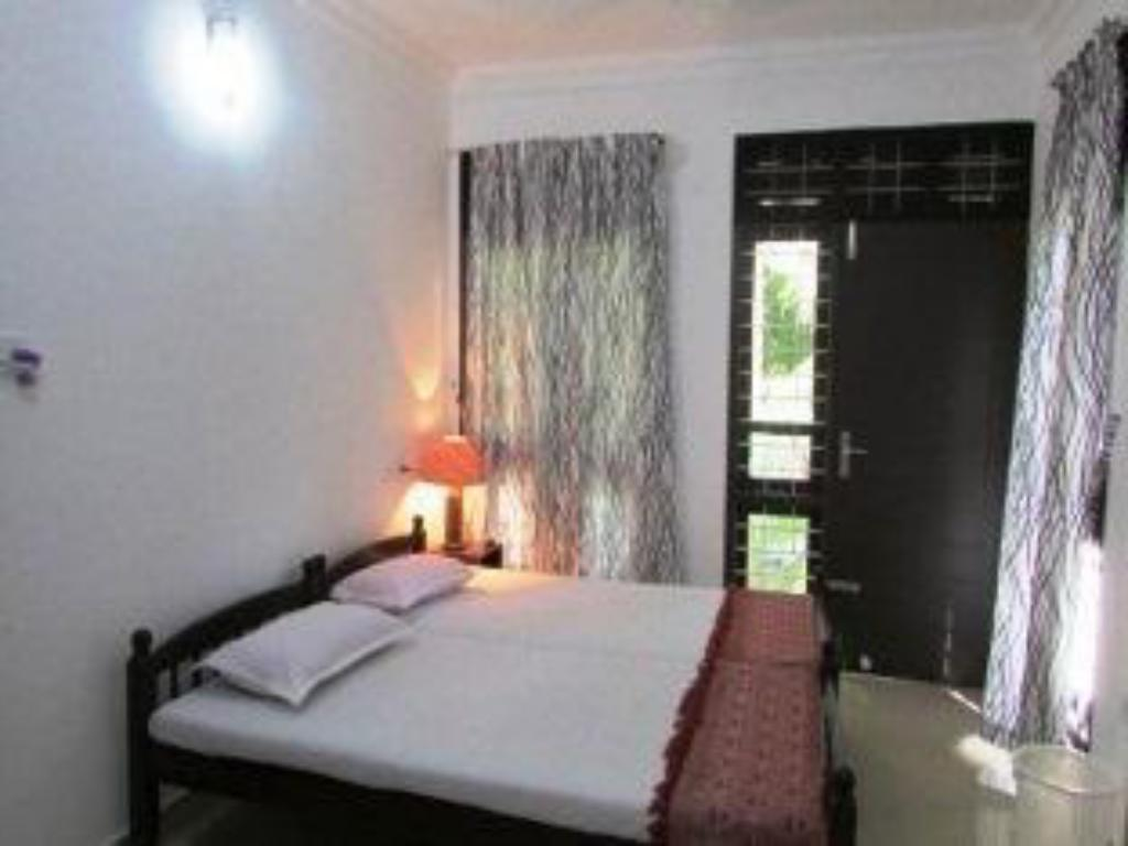 Single Room with Bathroom - Bed Immanuel Homestay